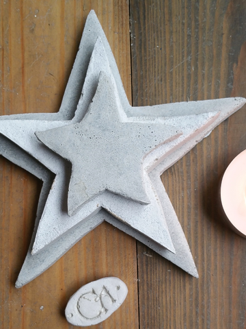 'Guiding Star' Set of Three Concrete Stars